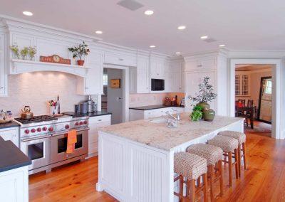 Edgewater Hillside Kitchen